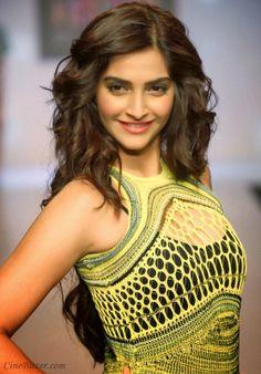 nice Sonam kapoor's Signature International Fashion Week HD Image