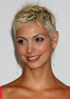 short pixie haircut for blonde hair