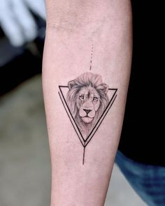 Lion head with triangular frame Chronic Ink Tattoo # Sensitivity Emotion # Tatto . - Lion head with triangle frame Chronic Ink Tattoo # Sensitivity Emotion # Tattoo # Toes - Leo Lion Tattoos, Dreieckiges Tattoos, Trendy Tattoos, Cute Tattoos, Unique Tattoos, Small Tattoos, Sleeve Tattoos, Tattoos For Guys, Tatoos