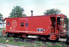 train caboose | ... of the best caboose displays I've seen. 11/12/01 - © T. Greuter photo