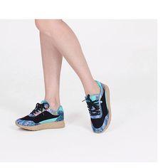 La mezcla perfecta entre sneakers y alpargatas con toque de animal print. ¡Irresistibles! #casual #sneakers #animalprint