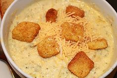 crock pot broccoli cheese soup...this looks INCREDIBLE with the croutons!!