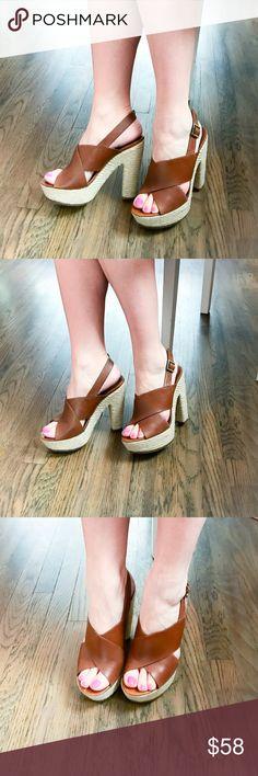 NIB Vince Camuto platform sandals New in box Vince Camuto platform sandals, very comfortable! Vince Camuto Shoes Platforms