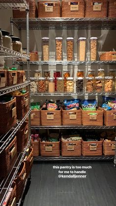 These clever kitchen pantry organization hacks will save your food from the deadline. Get some ideas for your pantry closet organization here. – Experience Of Pantrys Kitchen Organization Pantry, Diy Kitchen Storage, Pantry Storage, Organized Pantry, Food Storage Organization, Storage Ideas, Organizing Ideas, Kitchen Hacks, Kitchen Ideas