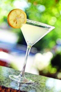 Lemontini Cocktail from Brio Restaurant 1 serving This recipe features Citrus Vodka, Orange Liqueur, fresh sweet and sour and simple syrup 2 oz Citrus Vodka ¾ oz Triple Sec ½ oz Sweet Martini Recipes, Drinks Alcohol Recipes, Cocktail Recipes, Drink Recipes, Cocktail Ideas, Fruit Drinks, Yummy Drinks, Alcoholic Beverages