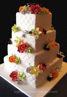 Pastel de bodas cuadrado, cortesía de Buddy Valastro