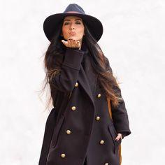 Muchos besos para empezar el día... Habéis visto ya mi último look en el blog? No os lo  perdáis con un nuevo #sombrero y con unos zapatos súper estilosos  Lots of love!! Don't miss my last look on the blog wearing a new hat and a pair of amazing shoes. All the pictures on the blog  www.withorwithoutshoes.com  #me#girl#ootd#todaysoutfit#hm #Balmain#balmainhm#balmaination#hmbalmaination#hmxbalmain#hmbalmain#balmainparis