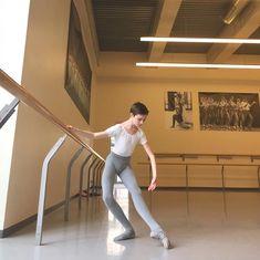 Dancer Photography, Kids Photography Boys, Male Ballet Dancers, Ballet Boys, Dance Fashion, Boy Fashion, Boys Gymnastics, Young Boys Fashion, Mens Tights