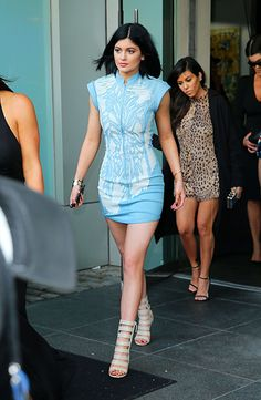 kylie-jenner-leaves-her-hotel-in-new-york_3