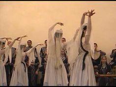 Armenian Dance - Tatoul Altounyan Song & Dance Ensemble - 1