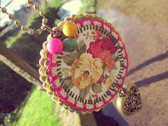 Colgante crochet flores