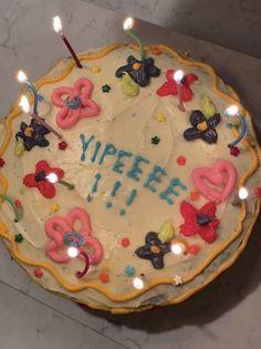 Pretty Birthday Cakes, Pretty Cakes, Beautiful Cakes, Amazing Cakes, Cute Food, Yummy Food, Think Food, Dream Cake, Cute Desserts