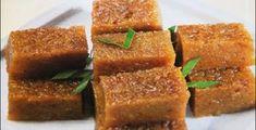 Wajik: Indonesia, Malaysia & Brunei sweet made from glutinous rice, palm sugar and coconut. Asian Snacks, Asian Desserts, Tapioca Cake, Malaysian Dessert, Homemade Dinner Rolls, Singapore Food, Traditional Cakes, Glutinous Rice, Indonesian Food
