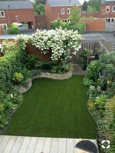 Best Small Yard Landscaping & Flower Garden Design Ideas Because you have a small garden, it doesn't want to work a lot. A small garden can be very exotic with just a little planning. Improving a beautiful modern garden [ … ] Backyard Garden Design, Small Garden Design, Backyard Ideas, Balcony Garden, Backyard Designs, Garden Turf, Small Garden Layout, Pool Ideas, Front Yard Garden Design
