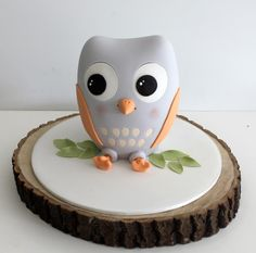 owl cake by https://www.facebook.com/FayeCahillCakeDesign