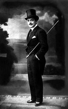 Max Linder (Saint-Loubés, 1883 - Paris, 1925)  Max Linder pode ser considerado o pai da primeira geração de comediantes do cinema norte-americano, especialmente de Charles Chaplin, que o estudou profundamente   Cometeu suicídio no auge de sua carreira. Seu verdadeiro nome era Gabriel Leuvielle Maximilien e fez sua primeira aparição no cinema em 1905.