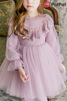 Stylish and comfortable~ Your baby should have one~ Vestidos Vintage, Vintage Dresses, Dresses Kids Girl, Kids Outfits Girls, Girl Outfits, Frock Design, Lace Design, Dress Anak, Princess Dress Kids