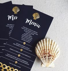 © PAPIRA invitatii de nunta personalizate // Matching the reception menus with the wedding theme -- just love when everything comes together. #papiradesign #papirainvitations #invitatiidenunta #invitatiinunta