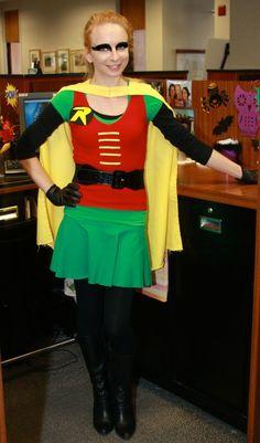 DIY Tutorial: DIY Superhero Costume / Holy DIY Batman Costume - (and it's modest/non-slutty) Female Robin Costume, Batman And Robin Costumes, Cute Costumes, Super Hero Costumes, Girl Costumes, Costume Ideas, Ash Costume, Diy Superhero Costume, Superhero Dress Up