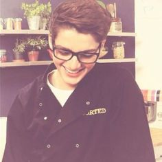 Finn Harries <3 When you smile at the ground it ain't hard to tell, you don't knooowww, you don't know your beautifuulll, that's what makes you beautiful!