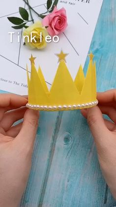 DIY Children's Birthday Crown - The little birthday crown dedicated to the little princess! Use color paper to make a birthday crown. Save it, try to. Diy Crafts Hacks, Diy Crafts For Gifts, Paper Crafts For Kids, Diy Home Crafts, Diy Arts And Crafts, Creative Crafts, Fun Crafts, Handmade Crafts, Paper Flowers Craft