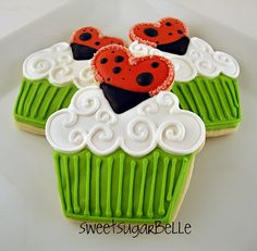ladybug love cookies--ok, seriously, what kind of frosting is this...love it!