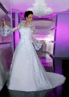 Strapless Wedding Gown by Da Vinci with a long over jacket with a train. Strapless Wedding Gown by Da Vinci with a long over jacket with a train. Wedding Dress Train, Bridal Wedding Dresses, Wedding Dress Styles, Bridesmaid Dresses, Lace Wedding, Prom Dresses, Dresses 2014, Elegant Wedding, Wedding Shoes