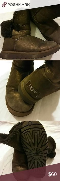 UGG Augustralia Boots Size W7 Preowned..Color Bronze..Preowned UGG Shoes Winter & Rain Boots