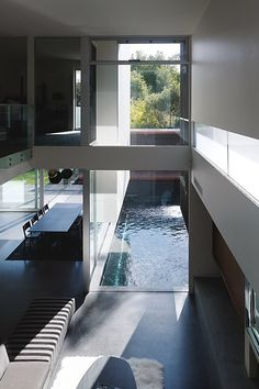 Minimalist home with a focus on the pool.
