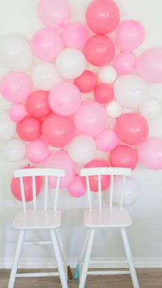 Need a good party of photo backdrop wall?  This quick easy DIY balloon wall makes for a great easy option.  Check out my tutorial and try it for your next photo session! http://www.arinsolangeathome.com #diy #balloonwall #photowall
