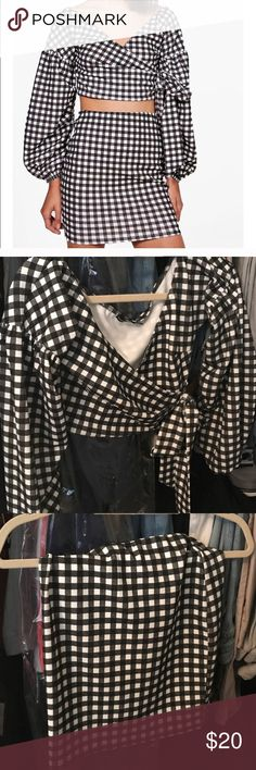 Boohoo gingham set never worn Never worn but so cute and in style! Tags revolve American rag forever 21 missguided pepper mayo Boohoo Tops
