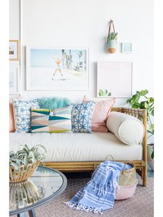 Coastal living rooms can be achieved by playing with the colours of the sky, sea and sand to form a dreamy coastal theme. Bring the themes of the seaside into your living room and channel coastal chic with soft furnishings… Continue Reading → Daybed In Living Room, Coastal Living Rooms, Living Room Decor, Living Room Hacks, Pastel Living Room, Daybed Room, Living Room Pillows, Coastal Cottage, Bedroom Decor