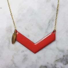 Collier or et email rouge DIY by Clara Climent #bijoux #diy