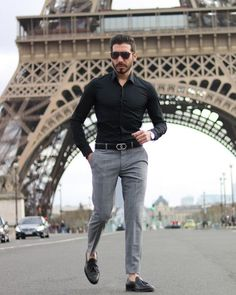 Are you also looking for effortless outfit ideas to look dashing in everyday life? These are the best and effortless outfit ideas for stylish men. Formal Dresses For Men, Formal Men Outfit, Formal Shirts For Men, Men Formal, Business Casual Men, Men Casual, Stylish Mens Outfits, Stylish Man, Stylish Clothes For Men
