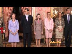 La familia del Rey. Nivel A1-- with or without subtitles for Spanish I -- good use of family vocab