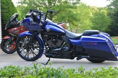 Learn more about this used blue 2012 Harley-Davidson® FLTRXSE CVO™ Road Glide® Custom motorcycle for sale on ChopperExchange. It has miles and it's located in Fallston, Maryland. Harley Davidson Custom Bike, Classic Harley Davidson, Harley Davidson Street Glide, Harley Davidson Sportster, Custom Baggers, Custom Harleys, Custom Motorcycles, Custom Bikes, Cvo Road Glide
