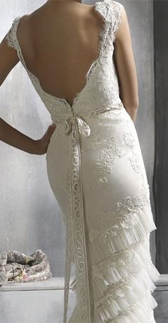 I'm in love...this is perfection!!  Vintage wedding dress