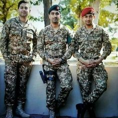 Pak Army Soldiers, Pakistan Armed Forces, Pakistan Army, Cute Dresses, Asia, Punk, Military, Defenders, My Style