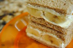 Cream cheese and banana sandwiches - easy kids lunch idea!  Great for lunch boxes.