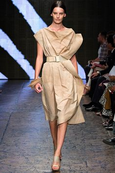 donna-karan-rtw-ss2015-runway-35 – Vogue