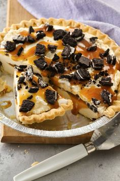 Easy ice cream pie from frozen pie crust!