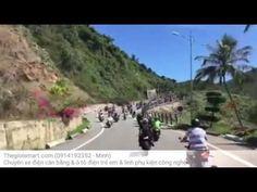 Tình huống vô cùng hiếm gặp ngoài đường vừa xảy ra khi 2 đoàn mô tô khủn...