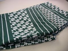 Vintage Mod Retro Green White Jersey Polyester Fabric 2 Remnants 46x25 46x39