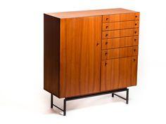 """Vintage Fristho """"Salonkast"""" – Vintage Furniture Base"""