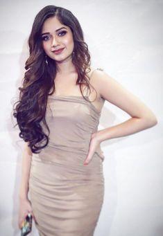 Indian Natural Beauty, Teen Celebrities, Lehnga Dress, Girl Attitude, Posing Guide, Indian Teen, Teen Actresses, Cute Girl Photo, Indian Models