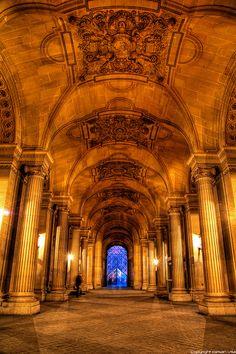 Le Louvre - Paris by romvi, via Flickr