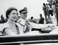 You Won't Believe How Young Queen Elizabeth Was When She First Met Prince Philip Young Queen Elizabeth, Princess Elizabeth, Queen Mary, Cow Girl, Cow Boys, Young Prince Philip, Prince Phillip, George Cross, Princess Kate Middleton