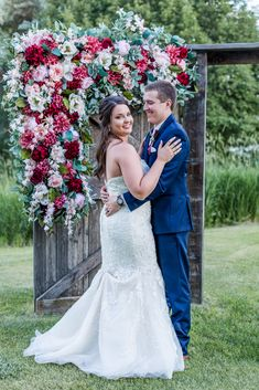 Kylee Ryan's rustic Montana wedding at Kleffner Ranch in Helena was filled with gorgeous florals! Vintage Wedding Flowers, Blush Wedding Flowers, Red Wedding, Montana Wedding Venues, Rustic Wedding Inspiration, Wedding Ideas, Rustic Wedding Reception, Boho Wedding Decorations, Bride Look