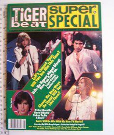 1982 AUG. TIGER BEAT MAGAZINE: JOHN STAMOS, SCOTT BAIO, RICK S, SCHNEIDER DILLON