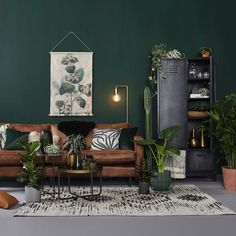 Inspiration for the living room - Makeover.nl Living room / inspiration / id . Dark Green Living Room, Green Rooms, Living Room Colors, New Living Room, Interior Design Living Room, Living Room Designs, Living Room Decor, Green Living Room Ideas, Dark Green Walls